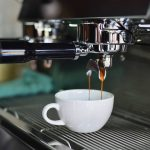 visu-quels-sont-les-avantages-d-une-cafetiere-a-percolateur